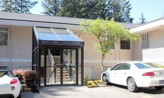 Entrance to Thrive Counseling Center | Federal Way WA Therapist